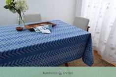 Displaying a bold zigzag pattern tacked with decorative stitches, our Chevron Hand Stitched Quilted tablecloths boast standout style. Delightful on their own and easily dressed up with seasonal flowers or contrasting linens, they create an ideal environment for simple family meals as well as festive afternoon spreads and dinner parties alike.