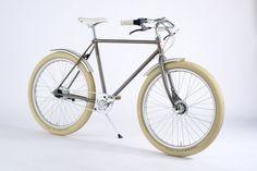 Vintage Country ballon ltd edition. Vintage Bikes, Vintage Cars, Push Bikes, Bicycle Design, Touring, Cycling, Vintage Country, Motors, Culture