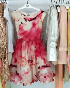 I am so rediculously in love with this dress