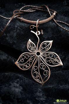 I Love Copper Jewelry Wire Jewelry Designs, Handmade Wire Jewelry, Jewelry Art, Wire Necklace, Wire Wrapped Necklace, Necklaces, Filigree Jewelry, Copper Jewelry, Bijoux Fil Aluminium