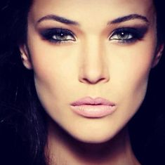 inspiration || dark smokey eye and light pink lips