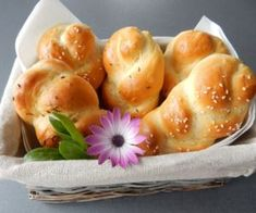 Domácí housky Sushi, Bread, Ethnic Recipes, Food, Brot, Essen, Baking, Meals, Breads