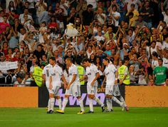 Trofeo Santiago Bernabeu 2010    Real Madrid 2 - Peñarol 0      Real Madrid Club de Fútbol (Câu lạc bộ Bóng đá Hoàng gia Madrid)  http://thethaovip.vn/category/giay-da-bong-san-co-nhan-tao-nike-adidas/giay-dinh-dam-da-bong-nike-adidas/  http://thethaovip.vn