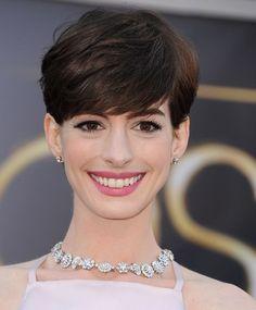 Cortes de cabelo 2014 - Anne Hathaway - Cortes de cabelo 2014: Inspirações das Famosas e das Passarelas!