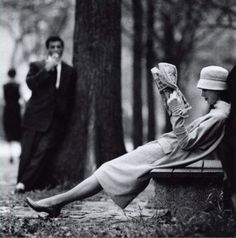 Central Park, New York Photo by Yale Joel, 1957 art fashion black and white photography New York Photos, Old Photos, Black White Photos, Black And White Photography, White Picture, Central Park, Jolie Photo, Mode Vintage, Vintage Style