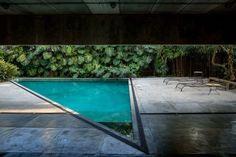 Stunning swimming pool design outdoor #OutdoorPoolDesign #OutdoorPoolArea #IndoorOutdoorPool #OutdoorPoolLandscaping
