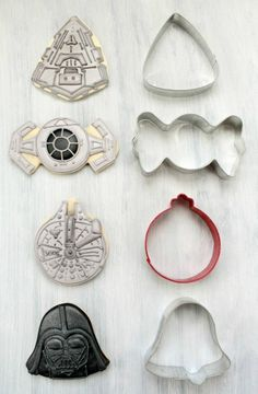 Star Wars cookies made w/holiday cookie cutters. Did I mention Steffin is considering another Star Wars party? Star Wars Party, Theme Star Wars, Star Wars Birthday, Birthday Kids, Husband Birthday, Bolo Star Wars, Star Wars Food, Star Wars Cake, Star Wars Cupcakes