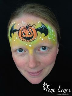 Fliegender Kürbis / Flying pumpkin (after original design by Olga) Fine Lines Face and Body Art, Leipzig, Germany. Kinderschminken. Face Painting. Body painting. Belly painting. Bauchbemalung.