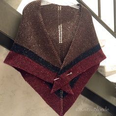 Outlander Claire Rent Shawl Triangle Tweed by KnitzyBlonde on Etsy Shawl Patterns, Knitting Patterns, Crochet Patterns, Knitting Needles, Hand Knitting, Vogue Knitting, Outlander Claire, Tweed, Outlander Knitting