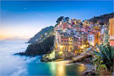 The-Cinque-Terre-Early-morning-in-Riomaggiore.jpg 860×574 piksel