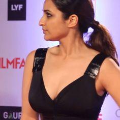 Shraddha Kapoor, Priyanka Chopra, Parneeti Chopra, Turkish Beauty, Indian Beauty Saree, Bollywood Actors, Beautiful Indian Actress, Dress Code, Indian Actresses