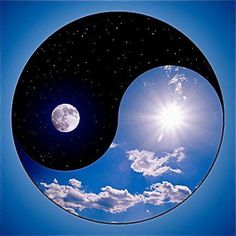 Yin & Yang I normal hate ying yang but this is awesome! Feng Shui, Les Chakras, Yoga Nidra, Stars And Moon, Sun Moon, Sacred Geometry, Serenity, Images, Peace