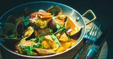 Découvrez cette recette de Porc et palourdes à l'alentejana pour 4 personnes, vous adorerez! My Plate, Thai Red Curry, Sea, Ethnic Recipes, Food, World, Chili Pepper Paste, Marinated Pork, Seafood