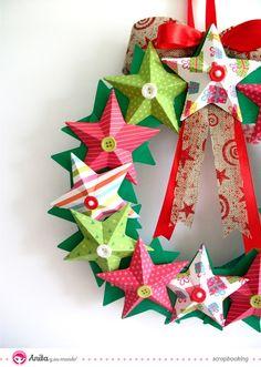 corona de Navidad hecha con papel