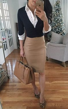 16 Stylish and Professional Interview Outfit Ideas You'll Love – Project Inspired - business professional outfits offices Fashion Mode, Office Fashion, Petite Fashion, Work Fashion, Fashion Outfits, Womens Fashion, Fashion Ideas, Workwear Fashion, Feminine Fashion
