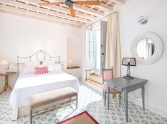Melancholic, wonderfully central and pleasantly imperfect: The Baixa House in the historic district of Baixa is the most popular accommodation in Lisbon and a genuine Pretty Hotel! B & B, Lisbon, Patio, Gallery, Bed, Hotels, House, Furniture, Design