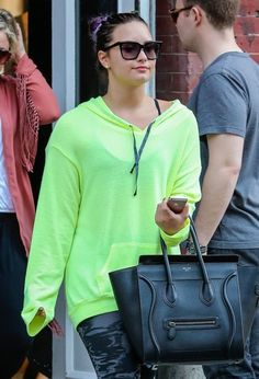 Demi out in NYC shopping