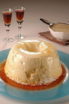 Aprende a preparar Merengon de alcira con esta rica y fácil receta. Este postre tiene dos partes, vamos a explicar la Debe quedar un suspiro firme. Les garantizo un postre realmente delicioso.