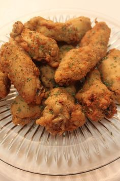 These deep fried lemon pepper chicken wings are tender and juicy, packed with flavor the whole party will love! Turkey Recipes, Dinner Recipes, Game Recipes, Aperitivos Vegan, Frango Chicken, Fingers Food, I Heart Recipes, Comida Latina, Chicken Stuffed Peppers