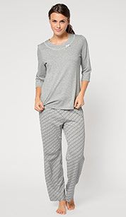 Pijama en gris