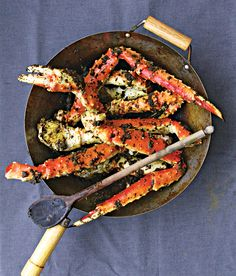 Singaporean Black Pepper Crab Legs: An abundant amount of freshly ground coarse black pepper mixed with fragrant garlic, turmeric, and ginger spices up sweet crab legs.