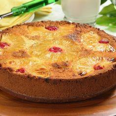 Pastel Volteado de Piña con Cerezas