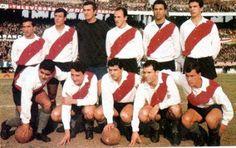 1964. River Plate -  Parados: Sainz, Bonczuk, Carrizo, Matosas, Ramos Delgado y Ditro. Agachados: Cubilla, Sarnari, Artime, Ermindo Onega y Mas