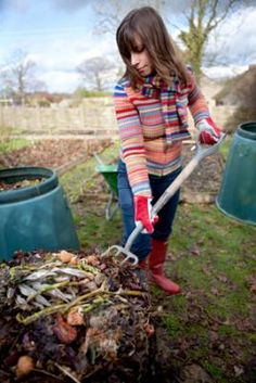 How to Make a Compost Pile in Your Backyard | Gaiam Life