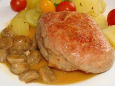 Plátky masa opatrně naklepeme (aby se nám nepotrhaly), jemně osolíme, potřeme každý jedním stroužkem česneku a na maso položíme po plátku... Pork, Chicken, Diet, Kale Stir Fry, Pork Chops, Cubs