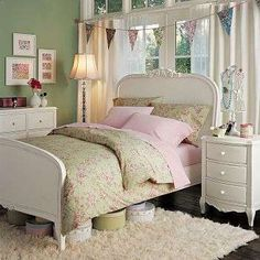 bed for girl's room