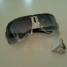 Óculos de Sol e um anel, fechou!! #sunglasses #rings