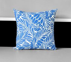 Beautiful pillow cover featuring a tropical palm print in blue! Other side is plain white. Invisible zipper closure, measures 19 x 19 Polyester / Cotton. Recommended insert, 20 More colors: https://www.etsy.com/listing/554746999/custom-colorful-palm-leaf-ikea-indoor