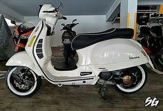 Scooter Motorcycle, Vespa Scooters, Vespa Tuning, Vespa 300, Cafe Racers, Cool Bikes, Gears, Chevy, Motorcycles