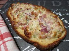 Low Carb Rezepte von Happy Carb: Schlemmerbaguette Elsässer Art - Ein französisch angehauchter Küchengruß, ganz nach Art des traditionellen Flammkuchens.