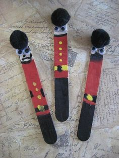 Palace Guards Craft Stick - a craft for an England Theme Day.