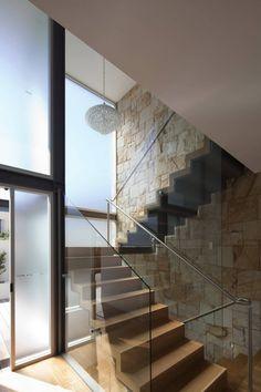 MPR Design Group have designed the Vaucluse House in Sydney, Australia.