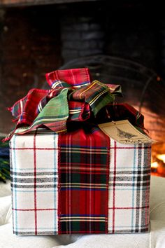 Plain and fancy, plaids and stripes – pretty wrapping is like getting a gift twice! Kraft, plaid, and striped papers are a staple and, just like coordinating fabrics in a room, I love to mix keep reading