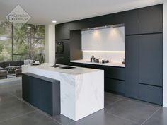Goossens Keukens moderne Keuken showroom Bvak 8 Pelt Decor, New Homes, House, Kitchen, Kitchen Island, Home Decor