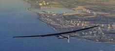 El avión «Solar Impulse II», propulsado exclusivamente con energía captada del sol, está listo para reanudar la primera vuelta al mundo de una aeronav...