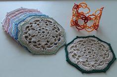 Glasbrikker. Mønster: http://anabeliahandmade.blogspot.com.es/2013/10/crochet-coasters-sets-perfect-diy-gift.html