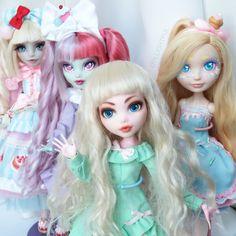 """Catch you in the next video! Stay artsy. 안녕~"" Sweet lolita custom OOAK dolls"