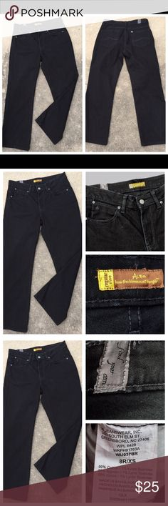 WRANGLER AURA Black Reg Rise 5 Pocket Jeans Sz 8 WRANGLER AURA Black Reg Rise 5 Pocket Jeans Sz 8. The jeans are made out of 99% cotton and 1% spandex. The measurements are as follows – Waist line – 32 inches  Inseam – 28 inches   050917–1 Wrangler Jeans Boyfriend