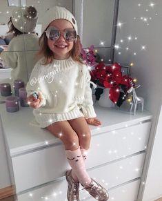 Such a cute outfit! Cute Kids Fashion, Little Girl Fashion, Baby Girl Fashion, Toddler Fashion, Cute Travel Outfits, Cute Outfits For Kids, Toddler Girl Outfits, Fall Baby Clothes, Outfits Niños