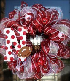 Nebraska Husker wreath http://media-cache8.pinterest.com/upload/144467100517005605_X9W3yxj6_f.jpg