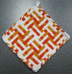 Orange Creamsicle Woven Potholder by DoorsiDell on Etsy Potholder Loom, Potholder Patterns, Dishcloth, Loom Craft, Orange Creamsicle, Weaving Patterns, Crafts For Girls, Loom Weaving, Mug Rugs