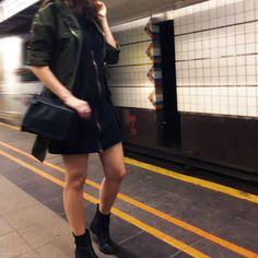 Brooklyn, Bitches! / Outfit - Kleid: Jan n June, Tasche Denise Roobol, Mantel vintage