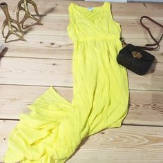 Old Navy yellow maxi dress Wow the crowd with a maxi dress and this beautiful shade of yellow!  Be bubbly, be what you wear! ❤️ Old Navy Dresses Maxi
