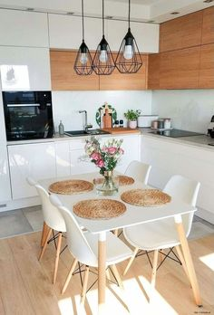 50 Amazing Little Apartment Kitchen Decor Ideas . - 50 amazing little apartment kitchen decor ideas … # - Small Apartment Kitchen, Home Decor Kitchen, Kitchen Interior, Home Kitchens, Table In Small Kitchen, Small Dining Area, Small Apartment Decorating, Little Kitchen, Kitchen Chairs