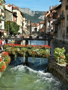 Annecy, France.... BEEN THERE. DONE THAT!!! Would love to go back!  This is a place I have been to twice and it is so beautiful. I would love to spend somemore time there!