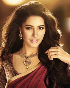 Ved Deal's Bollywood Replica Nargis Fakhri Heavy Maroon Designer Saree Bollywood Sarees Online on Shimply.com